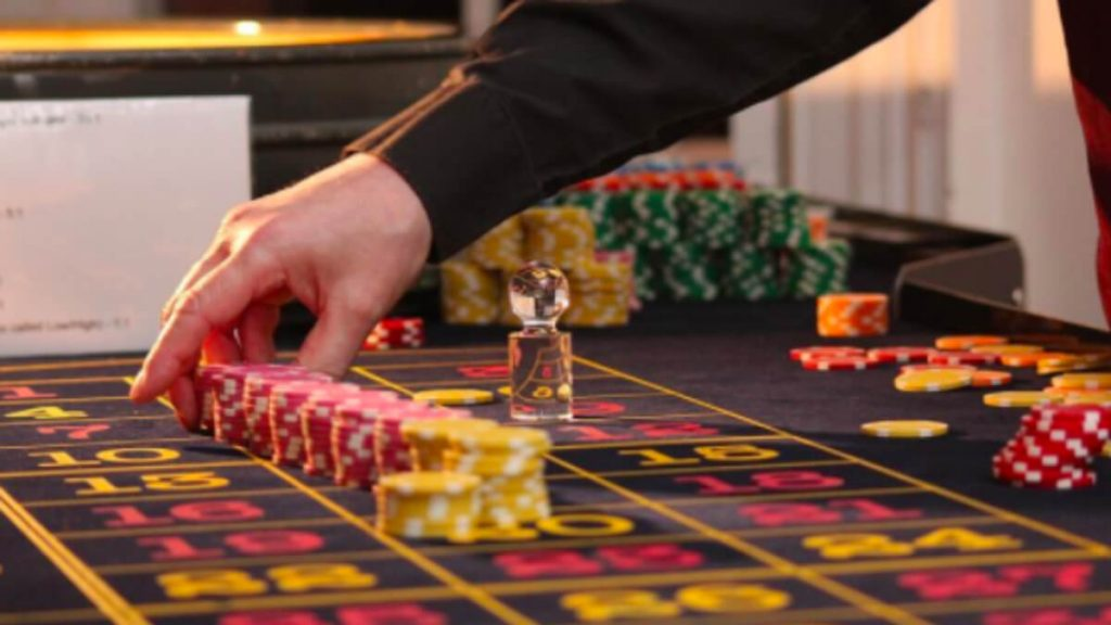 Placing Bets on a Roulette Table